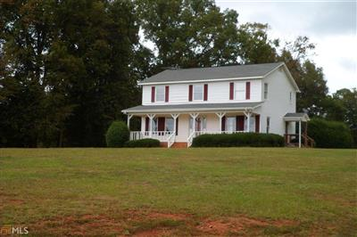 New 4 Beds 3.5 Baths Single Family Listing in HARTWELL!